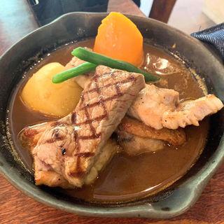 鶏豚牛スペシャルコラボカレー(アルペンジロー本店)