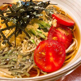 揚げ玉と夏野菜のお蕎麦(うさぎや)