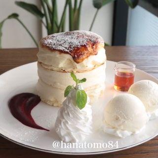 ブリュレふるぷるパンケーキ(512 CAFE & GRILL )