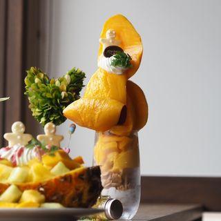 マンゴー2玉パフェ(All Day Dining Hikari)