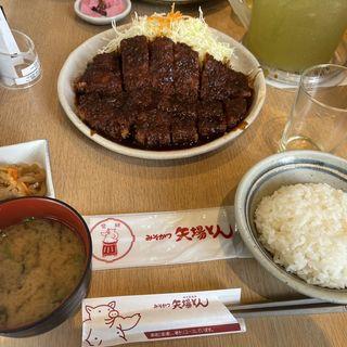 みそわらじとんかつ定食(矢場とん 矢場町本店 (やばとん))