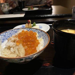 新生姜とホタテの炊き込みご飯イクラ掛け