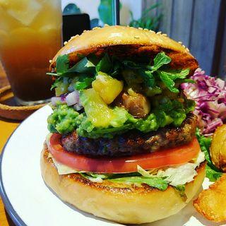 トロピカルパイナップルサルサバーガー(HELLO NEW DAY Hamburger)