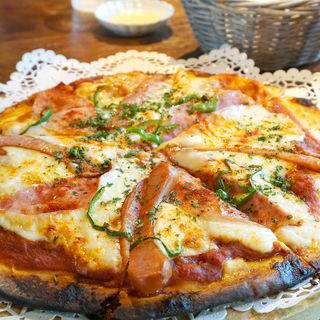 手造りハム&ソーセージピザ