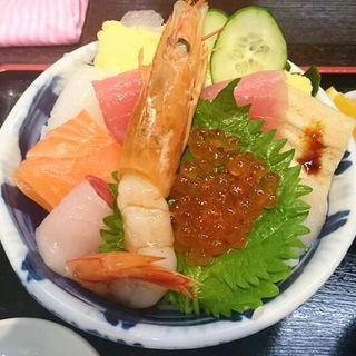 海鮮丼(上)(どん辰 (ドンタツ))