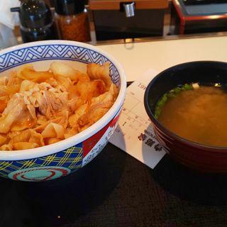 豚丼、味噌汁(吉野家 津島金柳店 )
