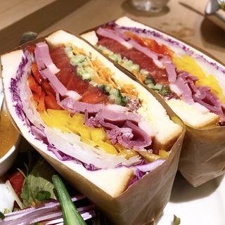 サンドイッチ ビーフ