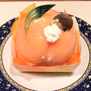 まるごと桃のロールケーキ