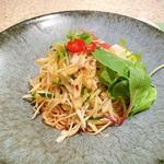 葱と蒸し鶏の辛味和え麺