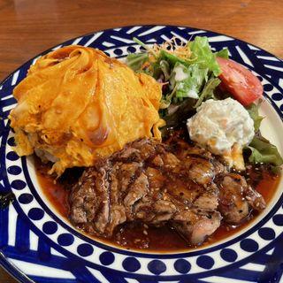 サーロインステーキ with うまからん卵のMuuMuu'sオムライス