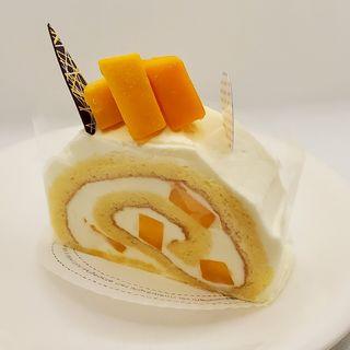 湘南マンゴーのロールケーキ