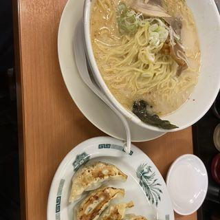 餃子セット(とんこつラーメン)