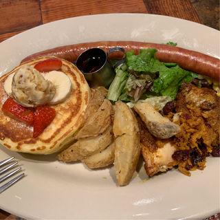 タンドリーチキンとイベリコ豚のソーセージ&フルーツパンケーキ