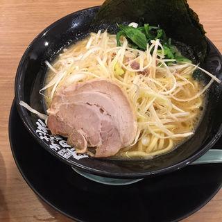 ネギラーメン(横浜家系ラーメン 町田商店 泉バイパス店)