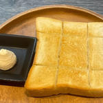 自家製パンと自家製バター