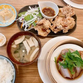 蒸しチャーシュー&唐揚げ セイロ定食