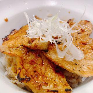 セットのミニ豚丼(中華そばと札幌ぶた丼 慎芯庵)