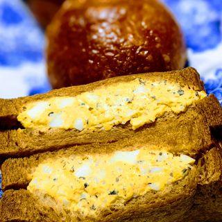 トリュフの卵サンド(トリュフベーカリー)