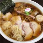 焼豚ワンタン麺 味玉入り