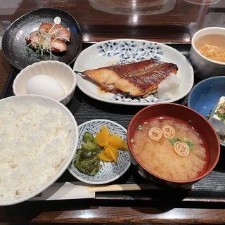 銀ガレイ味噌焼き定食+冷奴(みのや 新店 )