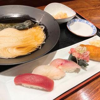 茄子そうめんと握り寿司のセット