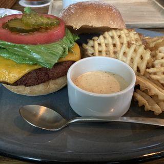 プラントベースチェダーチーズバーガー
