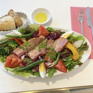 ローストベーコンと春野菜のサラダ