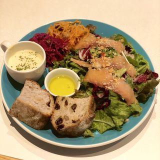 たっぷりお野菜のサラダプレートランチ