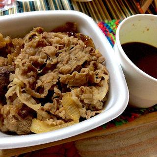 牛×牛カルビ黒カレー