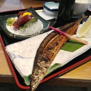 日替わり定食 秋刀魚の塩焼と鰹のお刺身
