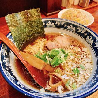 Aセット(味丸ラーメンと半炒飯)