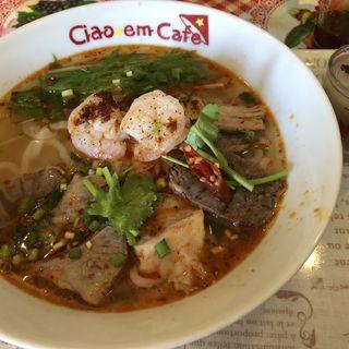 ブンボーフエセット(ピリ辛牛スジスープ麺)