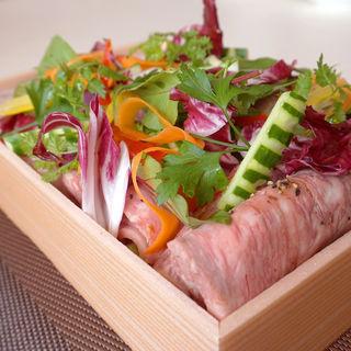 和牛のローストビーフと糸島ポークの贅沢セット 4種のソース添え