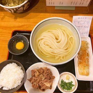 お昼のセット(ひやかけ・卵かけご飯・肉追加)