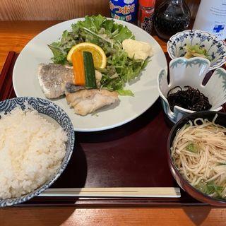 白身魚バター焼き