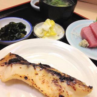 アコウ鯛の西京漬とメバチ鮪の刺身