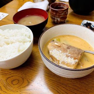 サバ味噌煮定食シモ
