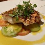 鮮魚のグリエ、大分産サフランとハマグリのジュ