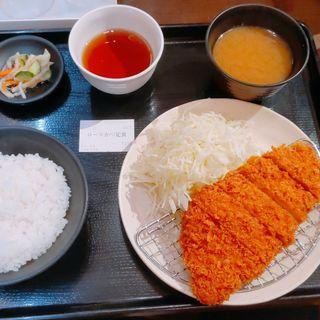 ロースカツ定食(とんかつ六九 )