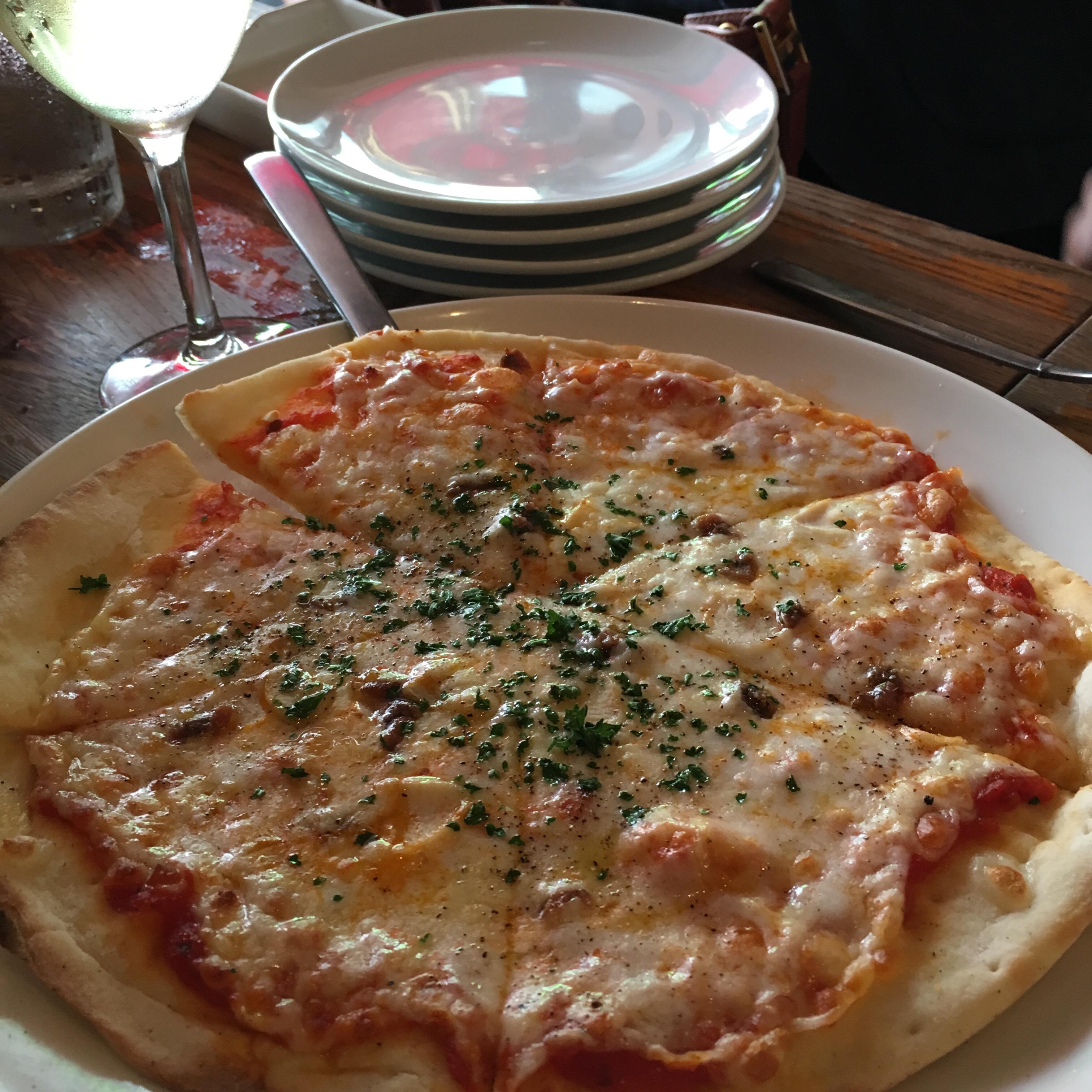 ガーリックピザ