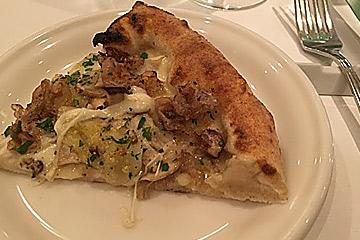 ポルチーニ茸ピザ
